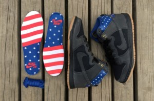 Nike SB Dunk High Stars Captain America