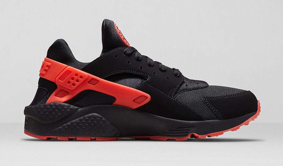 Nike Air Huarache Black And Orange