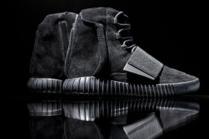 adidas-originals-triple-black-yeezy-boost-750-001