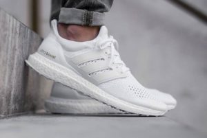 ADIDAS-ULTRA-BOOST-TRIPLE-WHITE-1-700x468