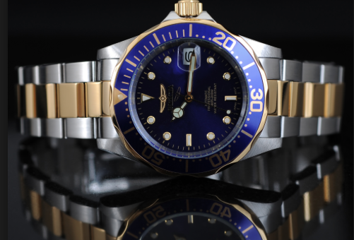 Step up your fashion with steep discounts on watches