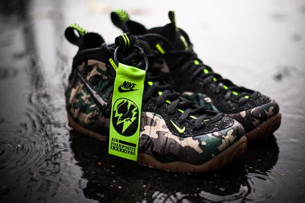 sports shoes e17c1 25bca Nike Army Camo Foamposite Links are Live - Cop These Kicks
