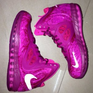 nike-air-max-hyperposite-pink-01-570x570