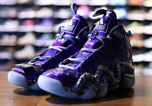 adidas-crazy-8-nightmare-before-christmas-2