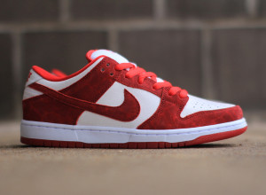 Nike SB Dunk Low Premium Valentines Day