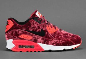 Nike-Air-Max-90-Infrared-Velvet-Releasing-in-Europe-1