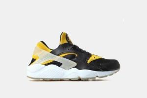 "Nike Air Huarache- Black/Yellow ""Berlin"" 704830-080"