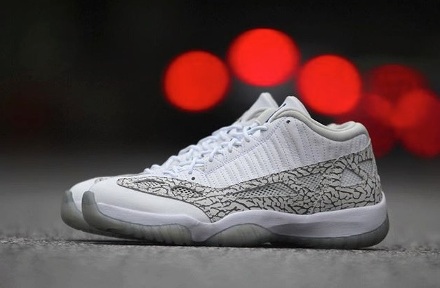 Air Jordan Retro 11 IE Low Cobalt