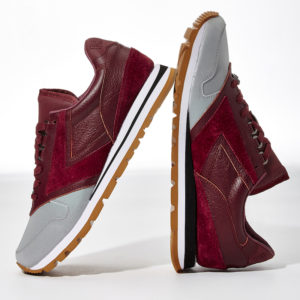 bny-sole-series-brooks-reflective-detail-sneakers_red