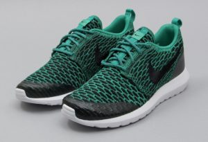 nike-roshe-one-nm-flyknit-se-lucid-green-black-white-816531-300-11