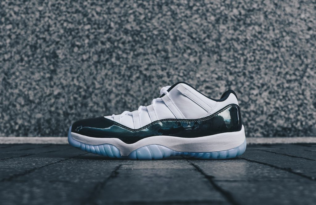 new products abe7f 3391b Air Jordan 11 Retro Low